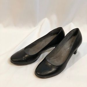 EUC A2 by Aerosoles Black Pumps Size 7.5